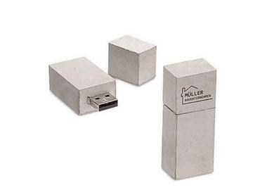 NIEUW , GIFTS IN BETON (Powerbank en USB )