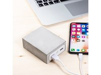 Krachtige powerbank in echt beton, art.Q pack Major Titan concrete art A101455